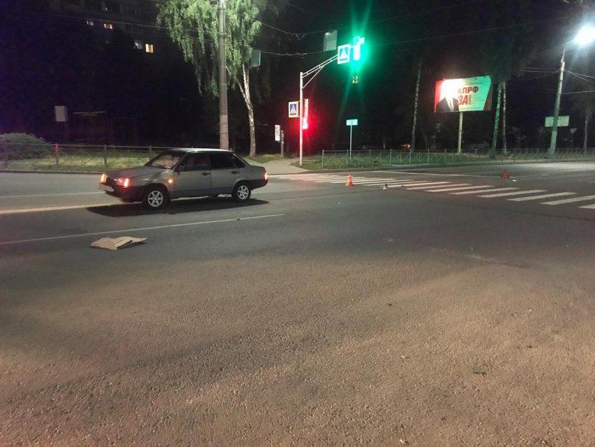 В Орле на Комсомольской «ВАЗ» сбил пешехода. Женщина в больнице
