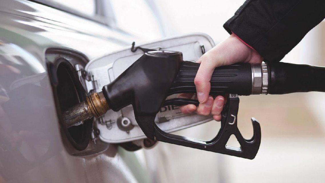 В Орелстате рассказали, как изменились цены на бензин за год