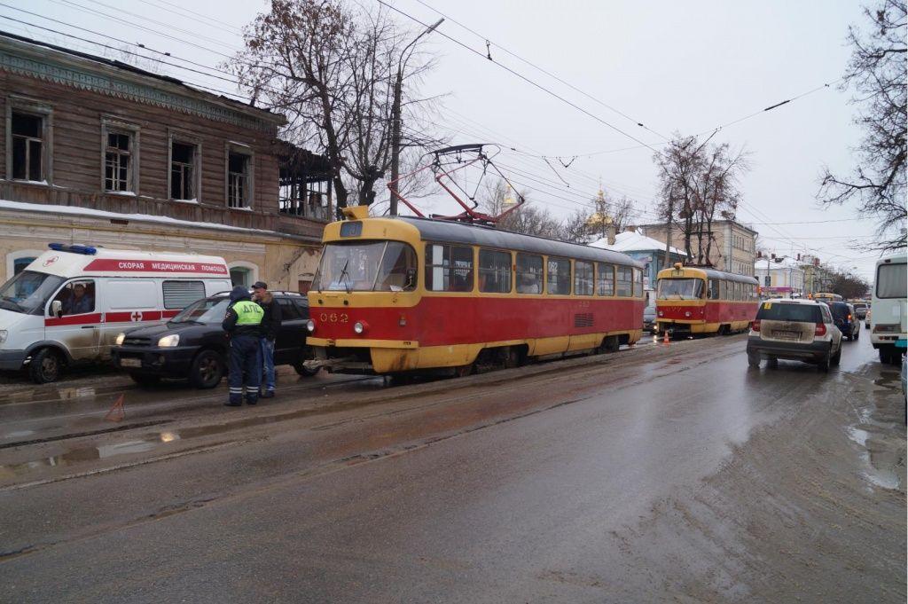 ВОрле вДТП пострадала пассажирка трамвая