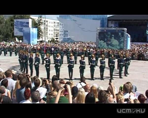 День города вразгаре: сотни орловцев увидели выступление военнослужащих Президентского полка
