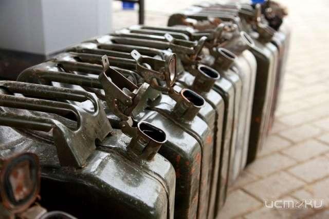 ВКромском районе подростки украли ГСМ на12 тыс. руб.