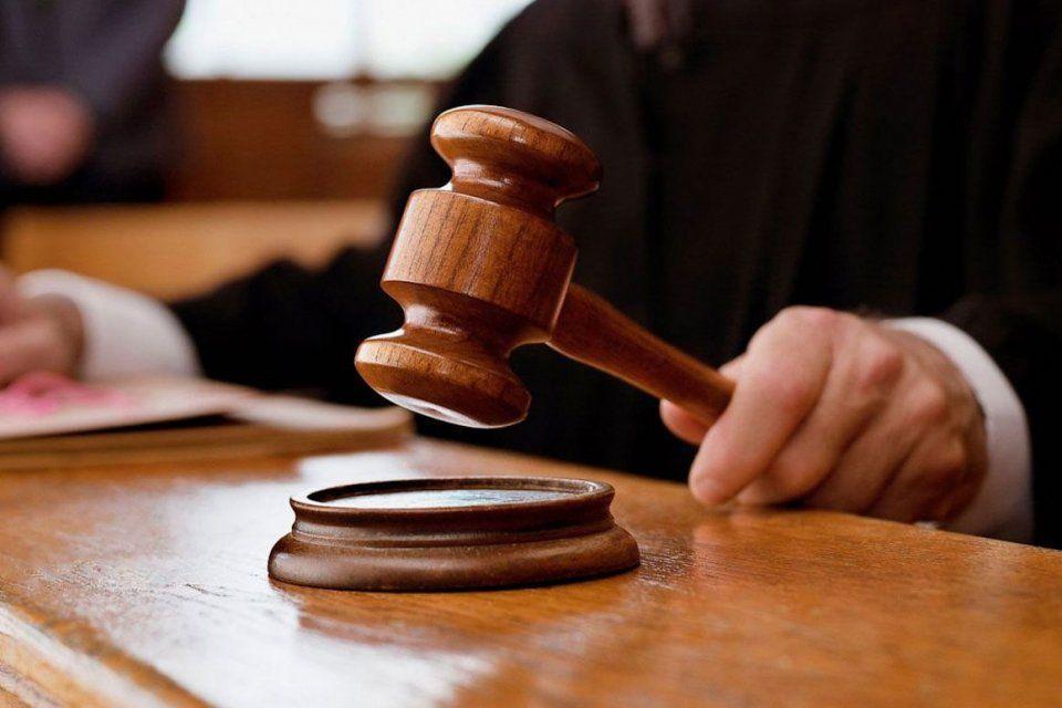 В Орловской области сотрудника Департамента надзорной и контрольной деятельности отправили под домашний арест за взятки