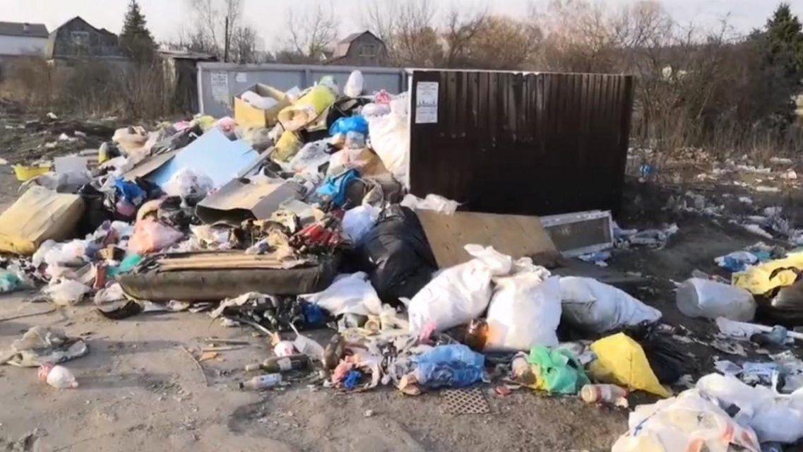 Фотофакт: в Орле окрестности Светлой Жизни завалены мусором