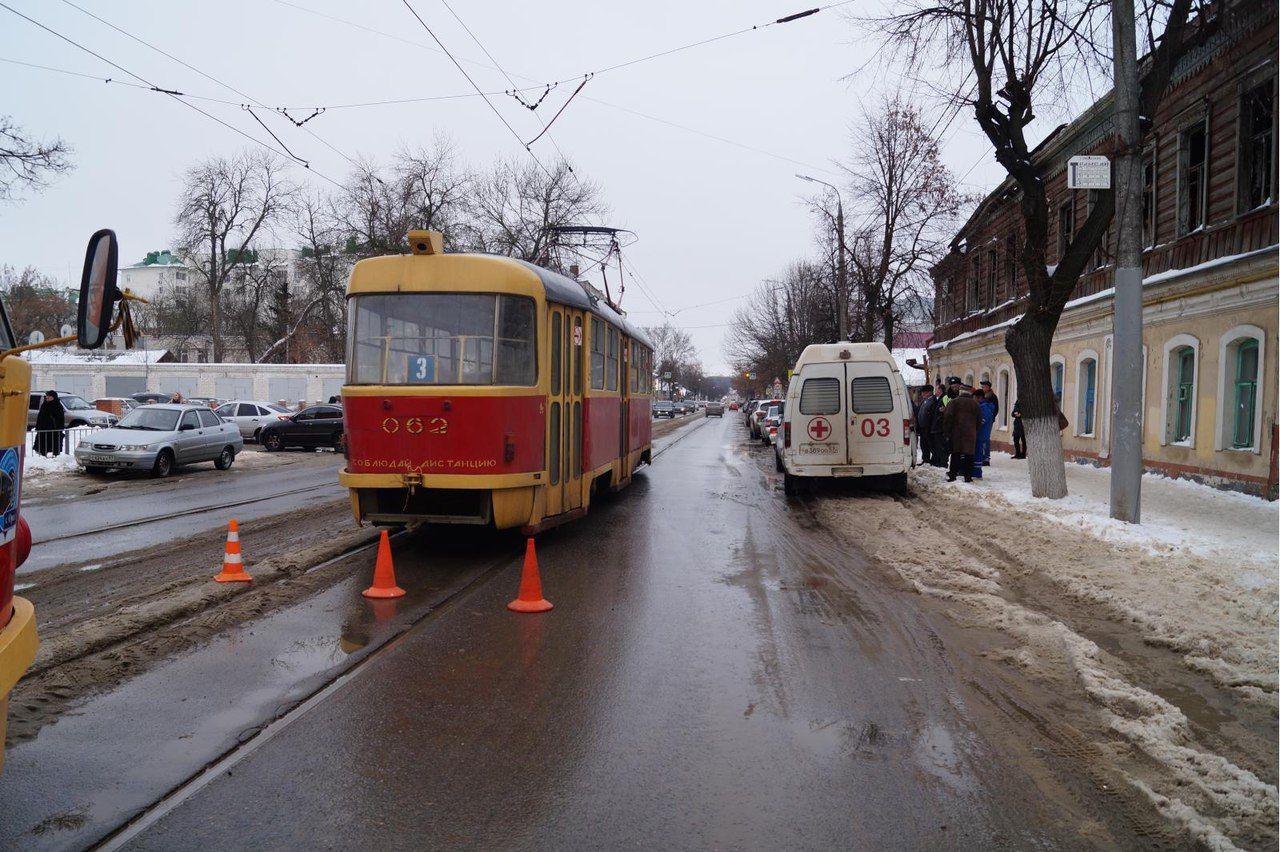 Вгороде Орле из-за ВАЗа пострадала пассажирка трамвая
