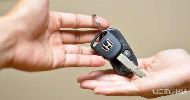Пострадавшие напроизводстве получили новые автомобили