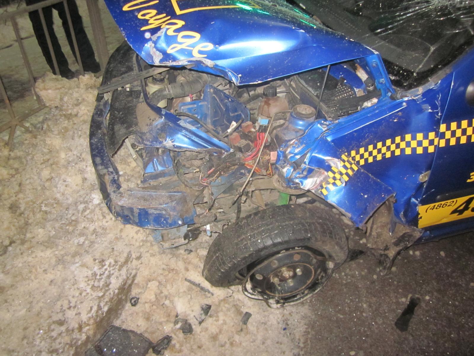 ВОрле в итоге столкновения ВАЗ и Рено пострадали 4 человека
